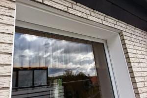 Hoch wetterbeständige und eine wasserabweisende Silicon-Fassadenfarbe runden das Projekt Laibungen ab.